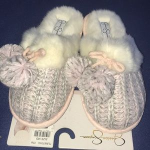 Warm and comfy Jessica Simpson pink slippers